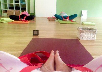 Opening the hips at yin yoga_FreshUp Yoga Vienna